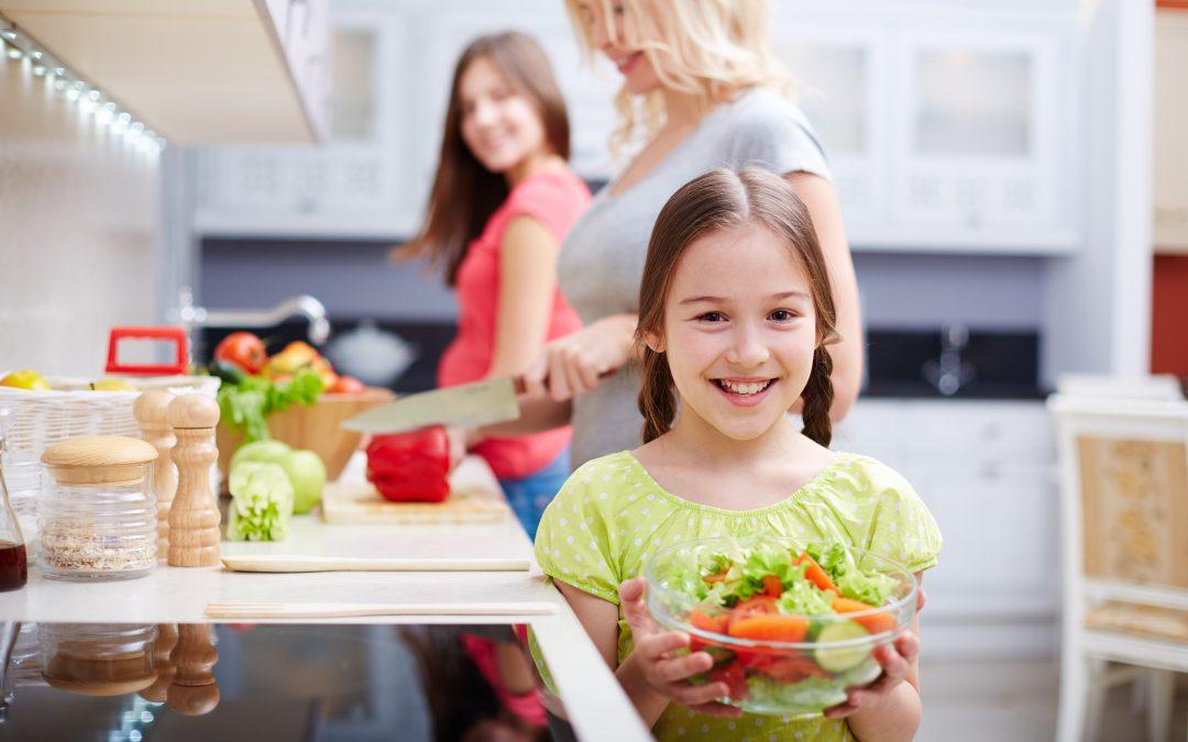 Unja a gyerek az almát és a banánt? Kínáld ezzel a 3 nyers zöldséggel!